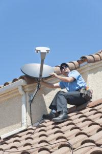 Reinigung, Pflege und Wartung einer Satellitenschüssel